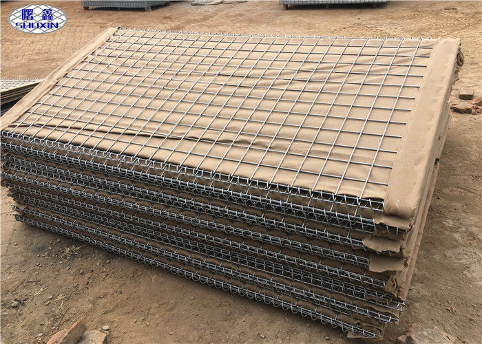 Geotextile Lined HDP Galvanized earth - filled HESCO Barrier for Military Preotection